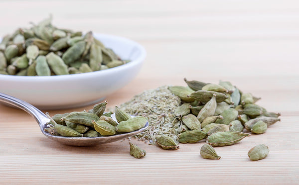 3 Ways to Use Cardamom Powder