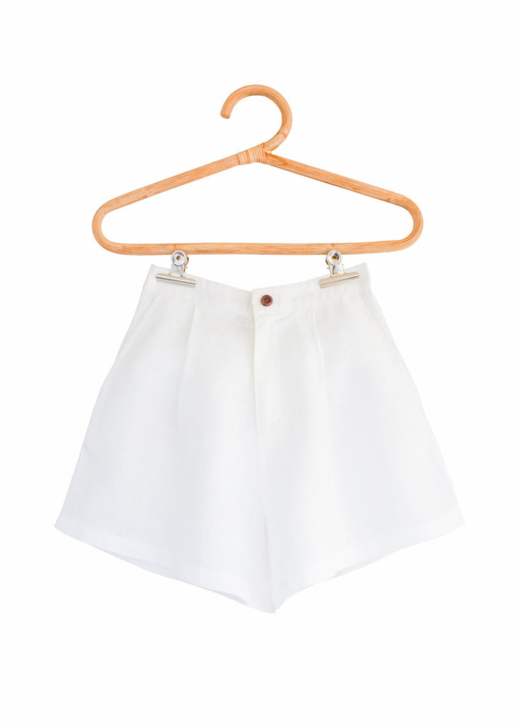 THE RIMINI SHORT in White
