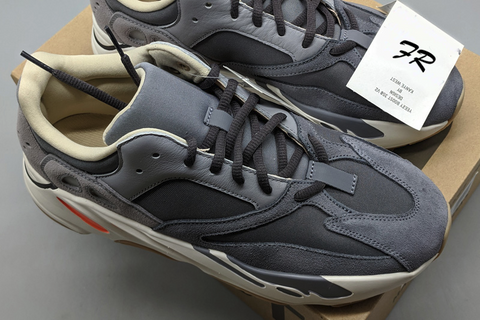 Pk God Yeezy Boost 700 Magnet