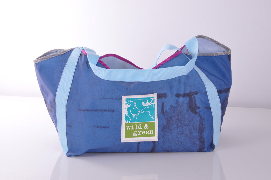 Shopper aus upcycled Ballonseide von wild & green in Blau