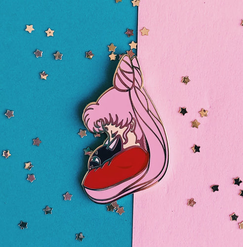 Black Lady pin
