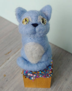 Kitty Cat Cube in Blue