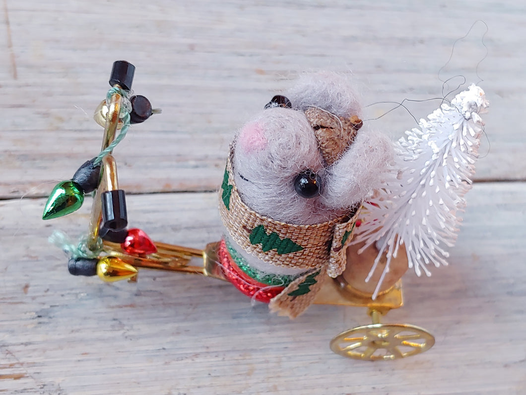 Merry Christmouse Scooter