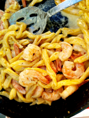 Egg Pasta & Shrimp With Creamy Fontina Skillet