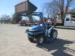 Ford New Holland 7106 Compact Tractor Loader Operation and Maintenance Manual PDF
