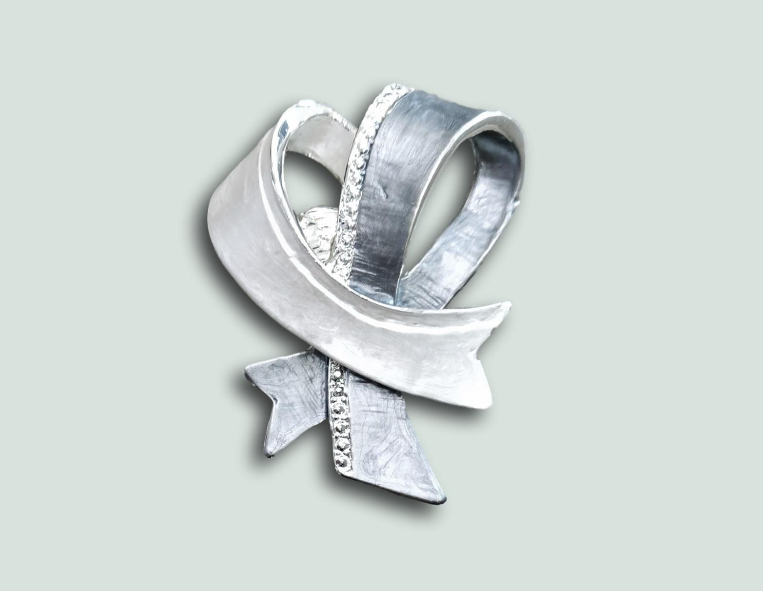 BR034  Magnetic Ribbon Brooch.