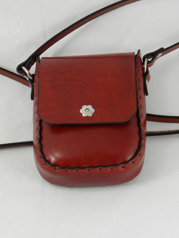 Handmade Latigo Leather Shoulder Bag \ Leather Crossbody Bag - Hand-dyed red and hand-stitched - Magnetic flower clasp