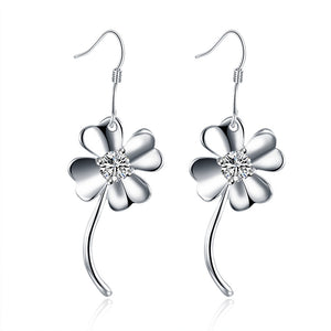 18K White Gold Plated Curved Clover Earring