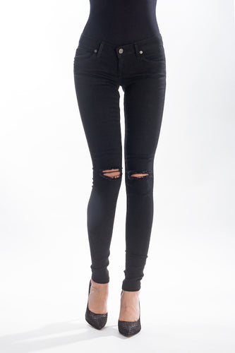 Skinny in Black With Knee Slits
