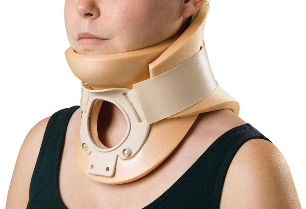 Using a Collar and Neck Pillow After Fusion Surgery