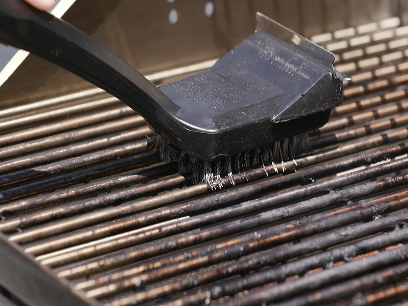 grill cleaning tools