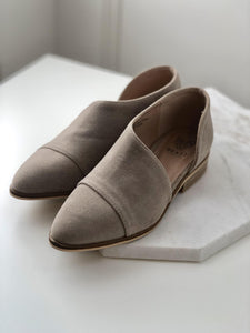 Taupe Cut Out Flat