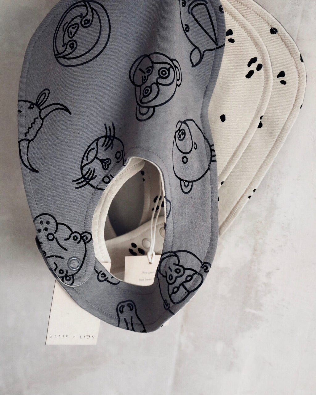 Animal Reversible Bib