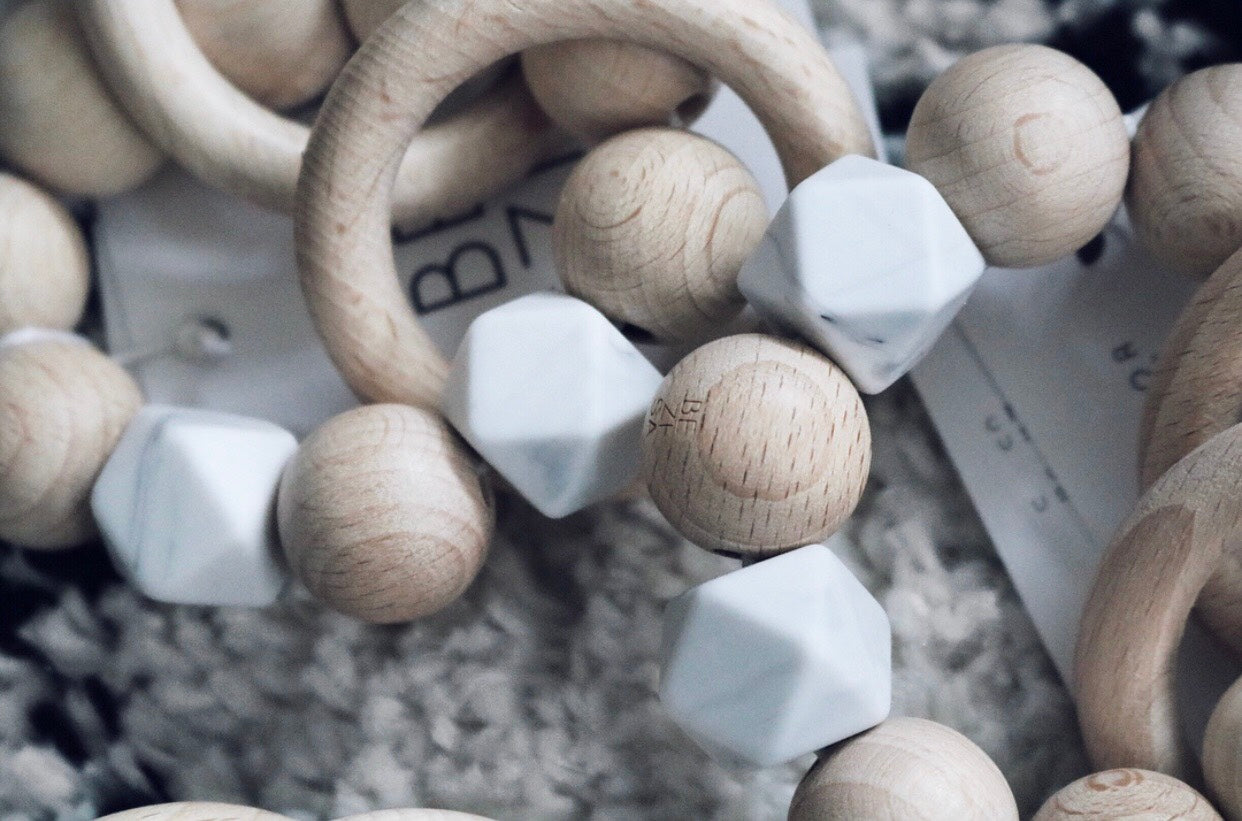 Teething Rattle Ring ◦ Marble