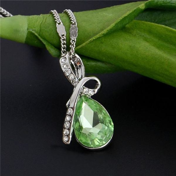 Beautiful Trendy Austrian Crystal Necklace Pendant 10 Colors Green