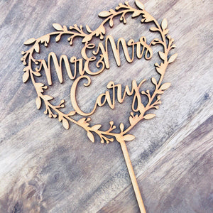 Personalised Wreath Cake Topper Mr & Mrs Wedding cake topper Names Cake Topper Heart Shape Wreath cake topper Engagement cake Cake Topper