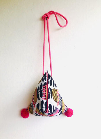 Shoulder origami small triangle pom pol bag | Winter flowers