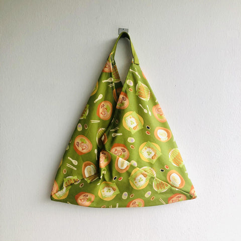 Handmade shoulder tote bag , origami bento bag , triangle shopping bag | Let's go to East Coast and eat some satay