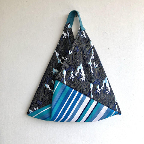 Bento bag shoulder tote , origami Japanese inspired bag , handmade eco fabric bag | A day out in the beach with beautiful golden waves