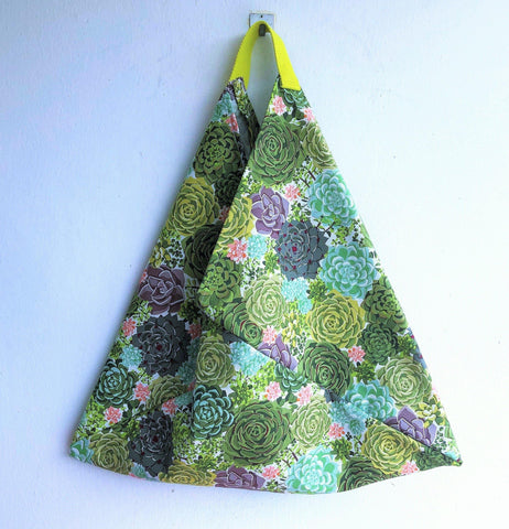 Eco friendly triangle origami handmade shoulder bag | Tenerife