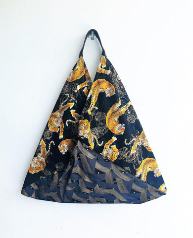 Origami shoulder bento bag, summer eco friendlly bag, triangle tote bag | Tigers