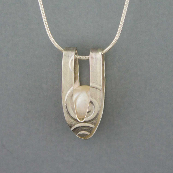 Caged Pearl - Necklace