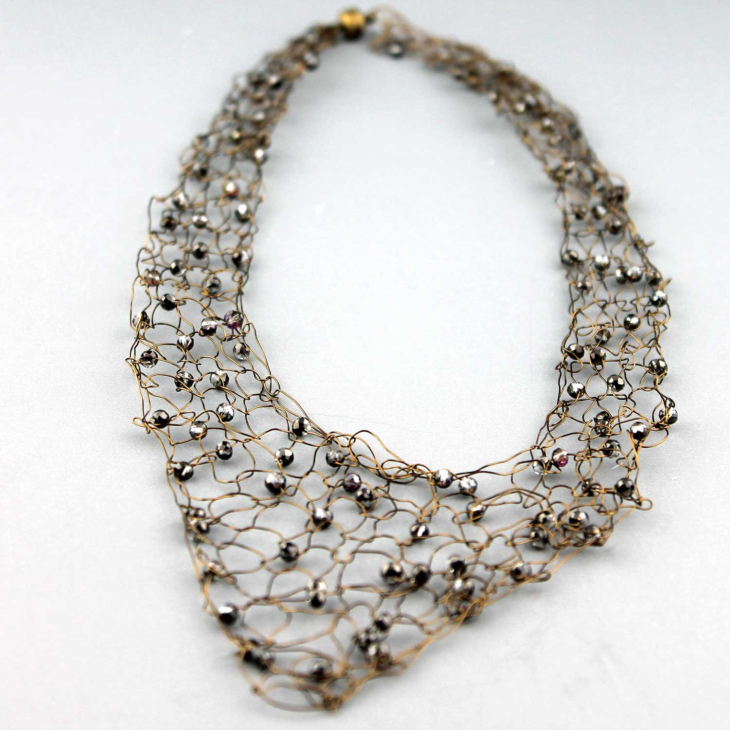 Wire Vneck Necklace-Grey