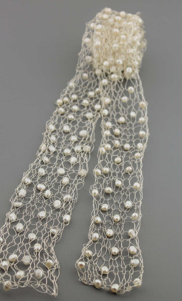 373N Wire Scarf- Silver and Pearl
