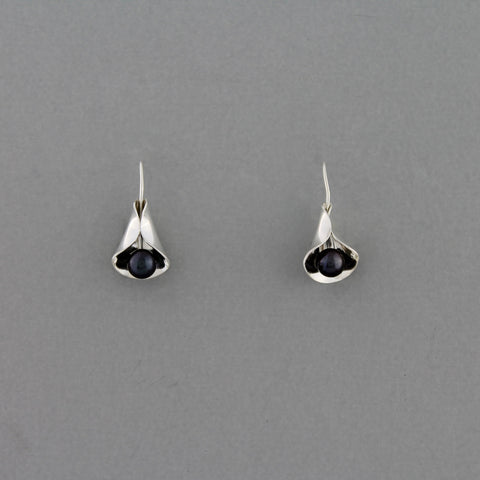 Calla Lilly (Dark Pearl) - Earring