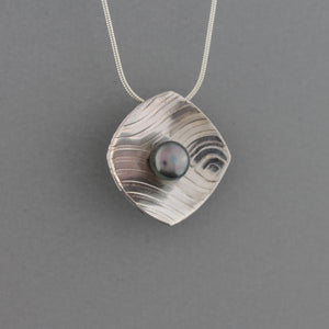 Orbit - Necklace
