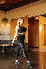 Load image into Gallery viewer, Milano Seamless Sports Bra - Black Savoy Active
