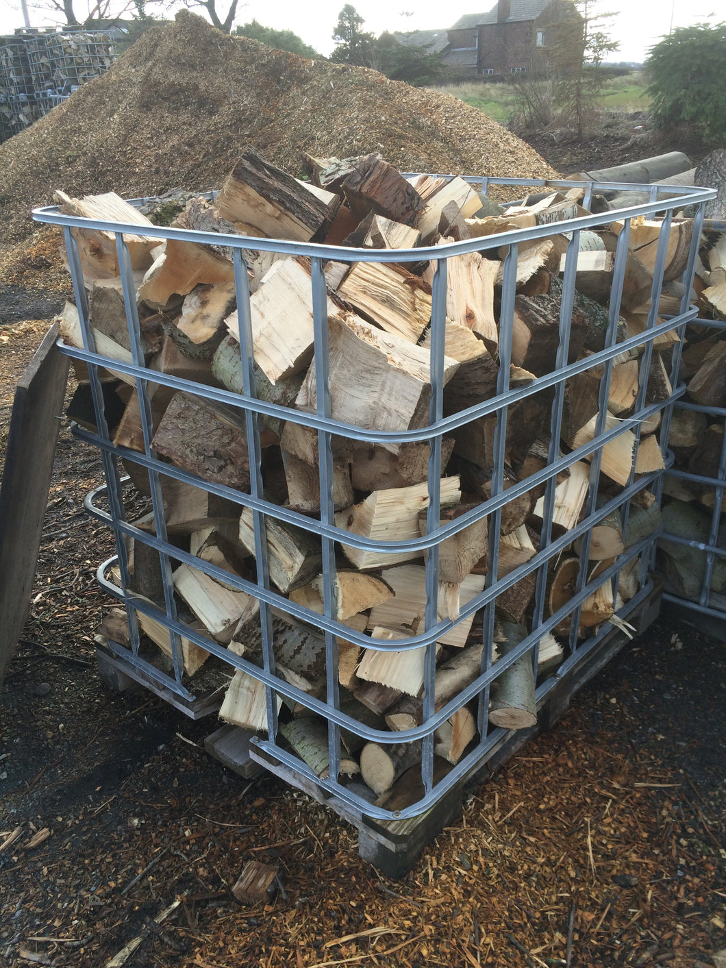 OUR BEST SELLER guaranteed dry and ready for burning Cage of seasoned mixed hardwood 1.2m3 with bits