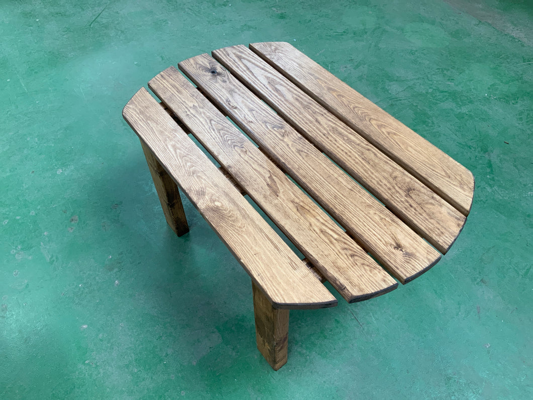 Oval outdoor drinks table