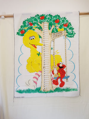 Big Bird Sesame Street Growth Chart Panel (112x88cm) - Lori's Fabrics & Quilts