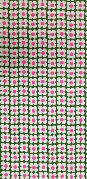 Small Flowers on Green Fabric (100x150cm) - Lori's Fabrics & Quilts