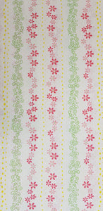Daisies & Spirals on White Fabric (100x150cm) - Lori's Fabrics & Quilts