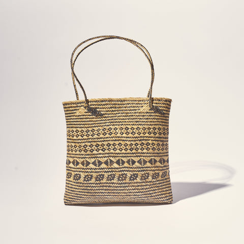 Straw tote bag Still life store