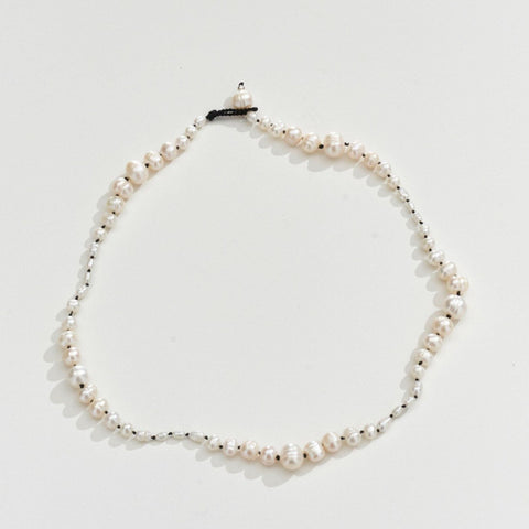 FRESHWATER PEARL NECKLACE - BLACK