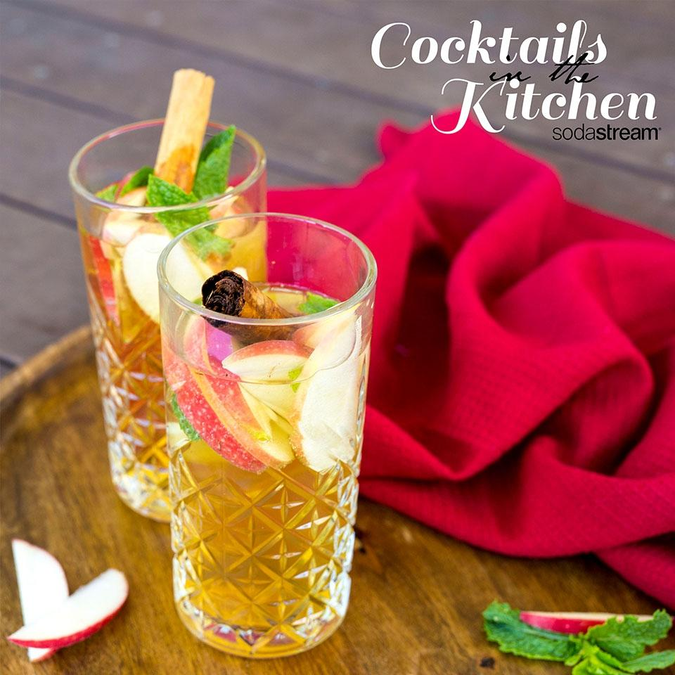 Apple and Cinnamon Spice Cocktail Recipe