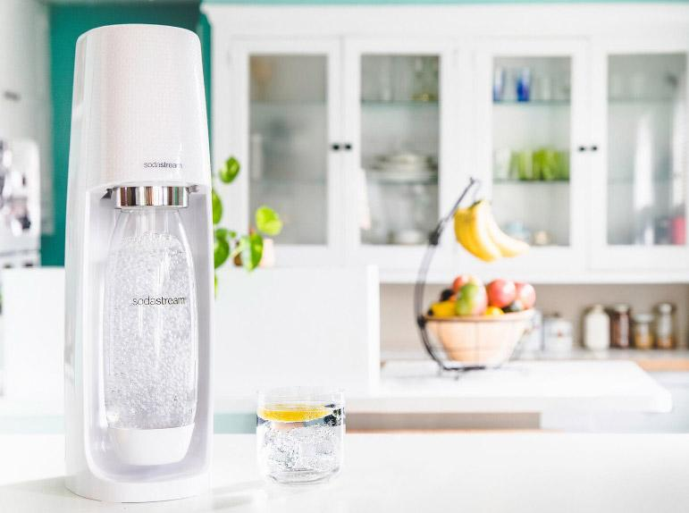 Sodastream Sparkling Water Maker Fizzi Starter Pack And