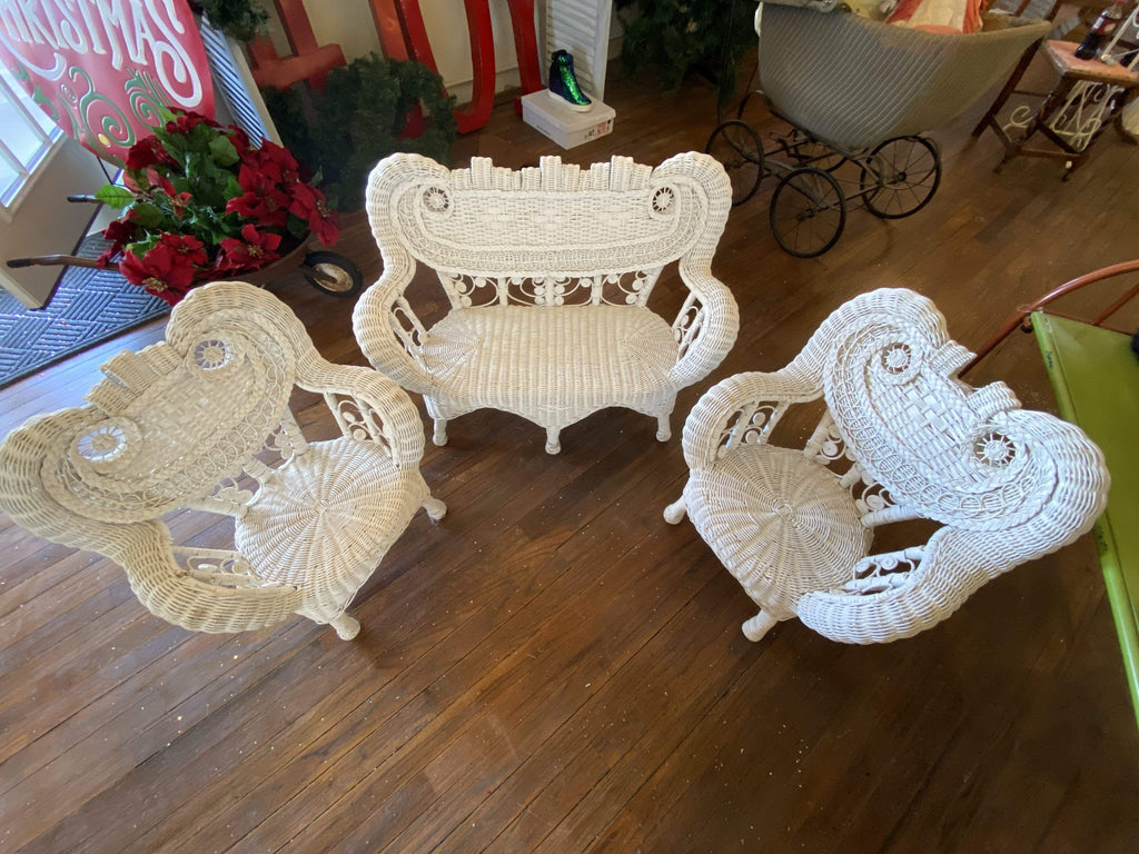 Wicker Furniture! Childs Set, used only for Display! Gift Sassy Fox Boutique, Inc