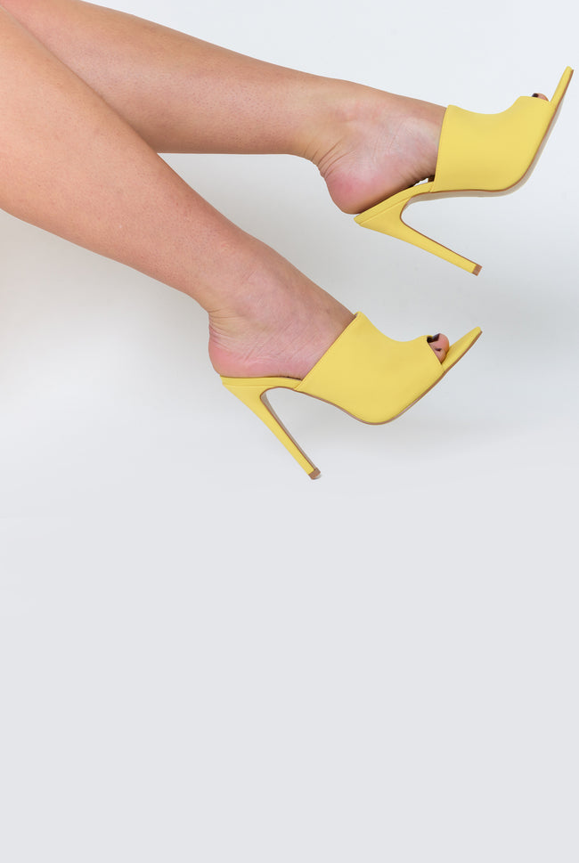 Kiera Pointed Peep Toe Mule In Yellow Lycra