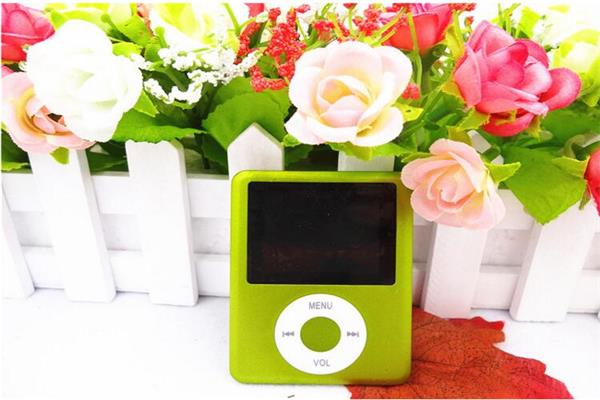 "MP4 Player high quality for 4 GB 8GB 16GB MP3, MP4 player 1.8 ""LCD screen FM radio video game movie music player LCD music player"