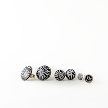 Anemone stud earrings, small