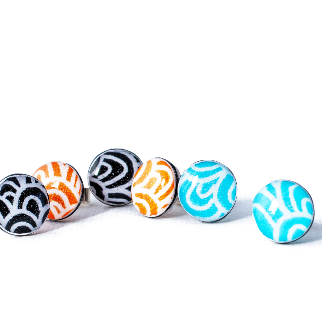 Small stud earrings - Spirit - with Wave pattern