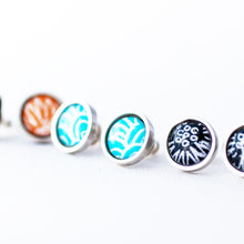 Flux stud earrings - Wave pattern