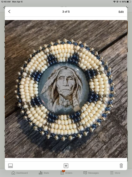 Beaded Pop Socket- wisdom