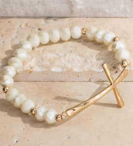 White / gold beaded bracelet