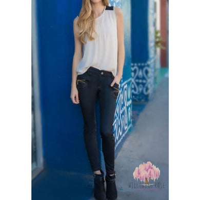 ,sassy-chic-clothing-boutique,Black zipper jeggings,Sassy Chic Clothing Boutique