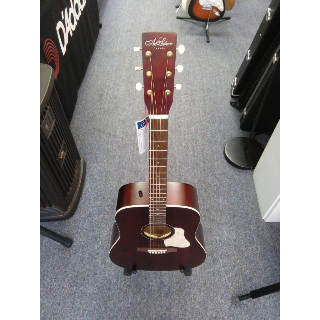 ART & LUTHERIE ACOUSTIC GUITARS Default Art and Lutherie Americana Dreadnought Tennesse Red